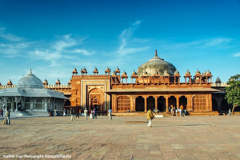 Jama Masjid courtyard, Fatehpur Sikri, India