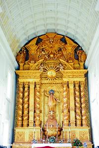 Altar - Basilica de Bom Jesus, Goa, India