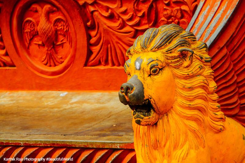 Lion, Lalbagh Botanical Gardens, Bangalore, Karnataka