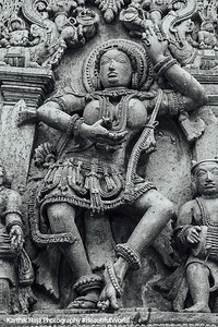 Dancer, Hoysaleswara temple, Halebidu