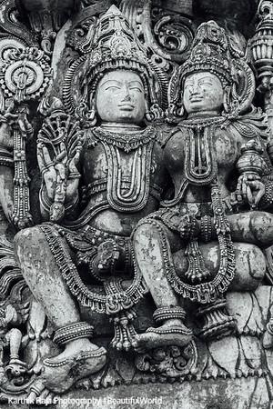 Vishnu with Lakshmi (Lakshminarayana), Hoysaleswara temple, Halebidu