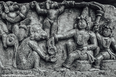 Rama giving Hanuman the ring to give Sita, Hoysaleswara temple, Halebidu