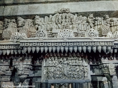 Vishnu playing the flute, Chennakesava Temple, Somanathapura, Karnataka, India