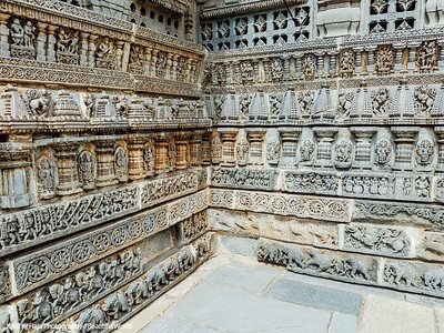 Wall relief, pierced windows and molding frieze, Chennakesava Temple, Somanathapura, Karnataka, India