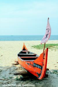 Boat ready for sail, Marari beach, Mararikulam, Kerala
