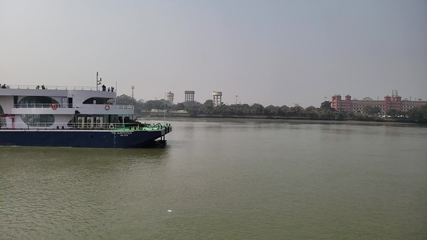 Cruising on the Hooghly River, Kolkata video