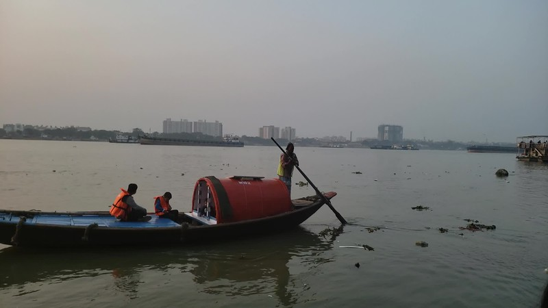 Boating on the Hooghly River, with a sunset view of Vidyasagar Setu video