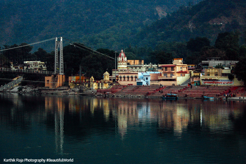 Ram Jhula, Temple town of Rishikesh, Uttaranchal, India
