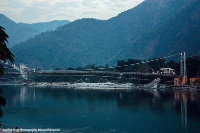 Ram Jhula, Temple town of Rishikesh, Uttaranchal, India