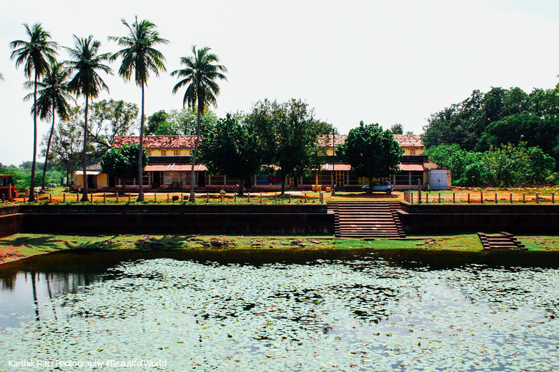 Sivan Temple tank, Karaikudi, India