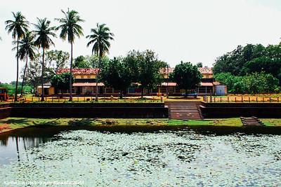 Sivan Temple tank, Karaikudi, India
