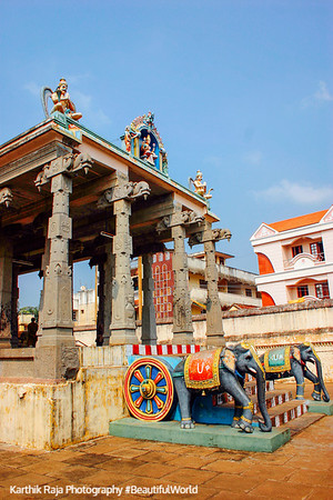 Chariot Hall, Sri Chakrapani Temple, Kumbakonam, India