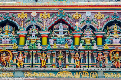 Symmetric scultpures, Meenakshi temple, Madurai, India