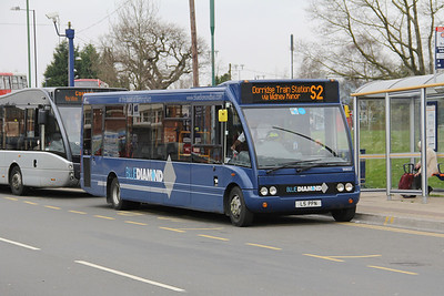 Diamond Bus Birmingham 20827 Station Approach Solihull Apr 14