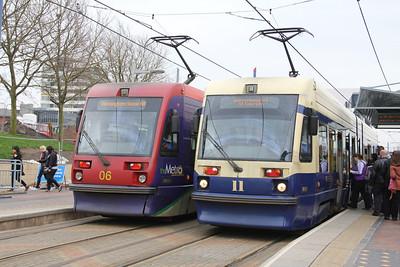 Midland Metro 06_11 West Bromwich Station Apr 14