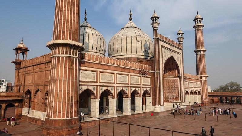 Visiting Jama Masjid in Delhi