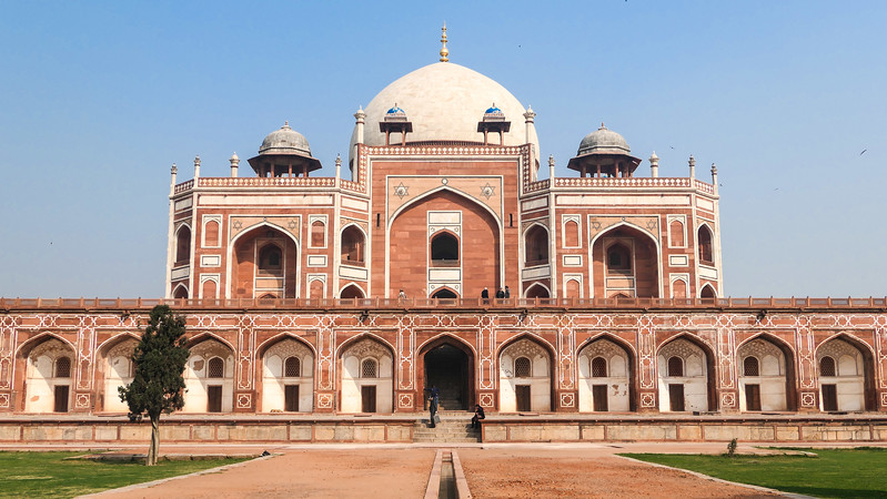 Red sandstone and white marble in Humayun's Tomb, Delhi.