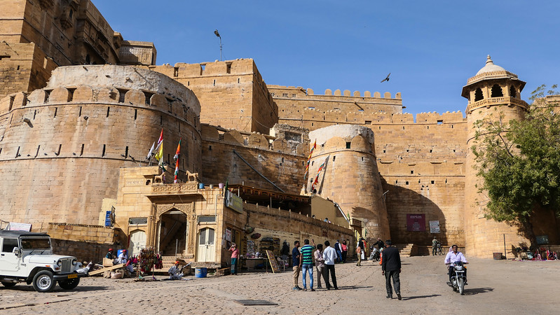 Touring Jaisalmer Fort in India