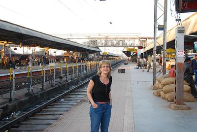 265 - At the Jhansi train station