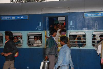 267 - At the Jhansi train station