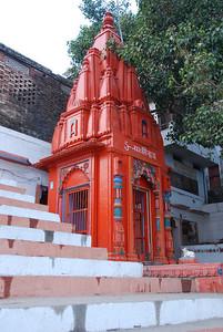 136 - Varanasi, a temple on the Ghats