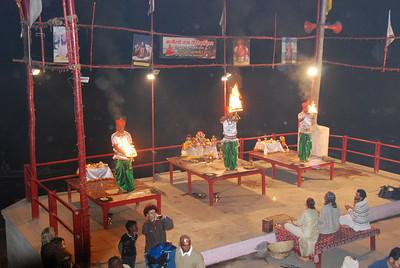 062 - Varanasi, a Puja ceremony