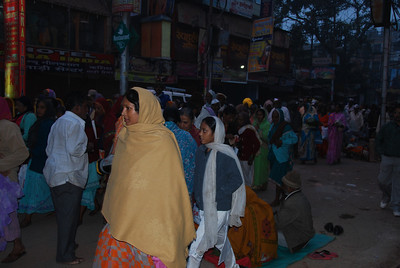 074 - Varanasi, Pilgrims on the