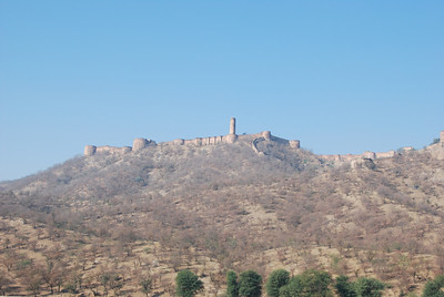 387 - Jaipur, a fort on the hill