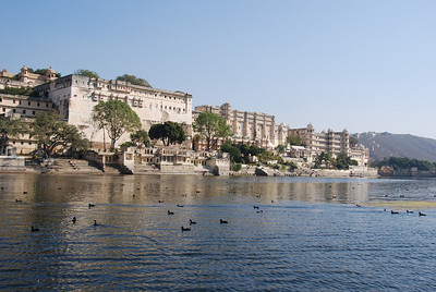 537 - Udaipur lake
