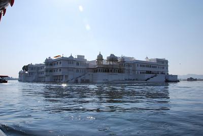540 - Lake Palace