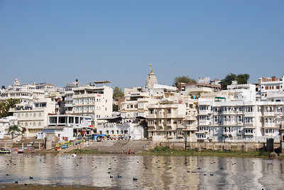 538 - Udaipur lake