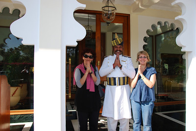 501 - The doorman in Udaipur