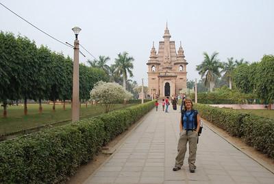 022 - Taryn in Sarnath