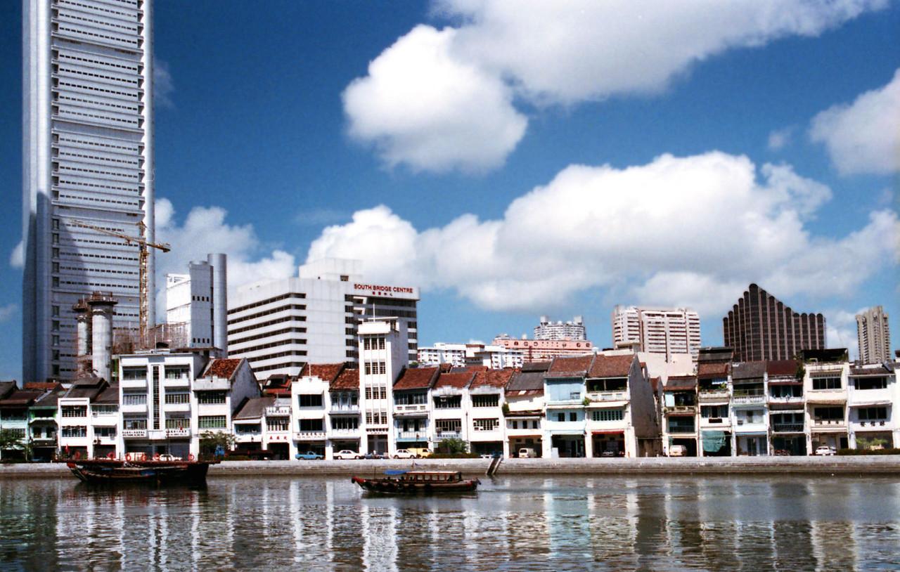 032 Singapore