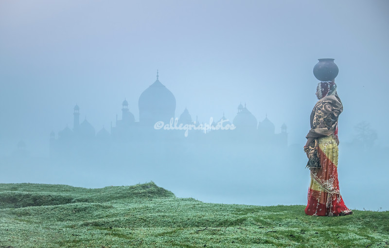 Along the banks of the River Yamuna on a misty morning
