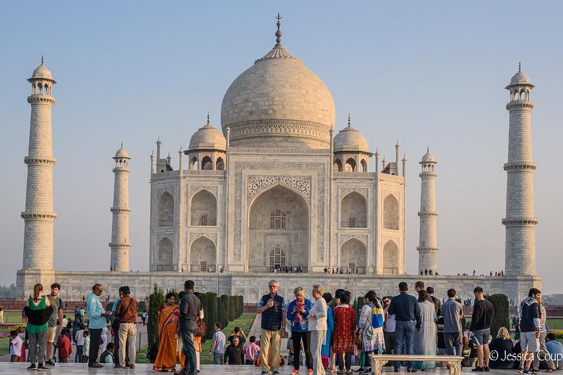 Crowds at the Taj Mahal