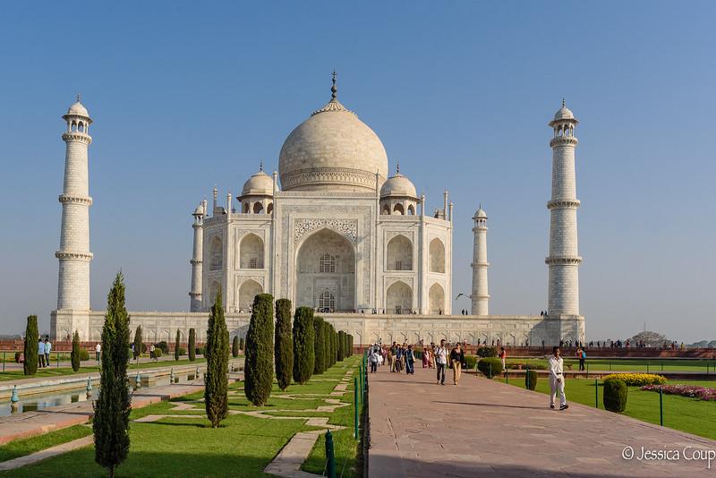 Enjoying the Grounds of the Taj Mahal