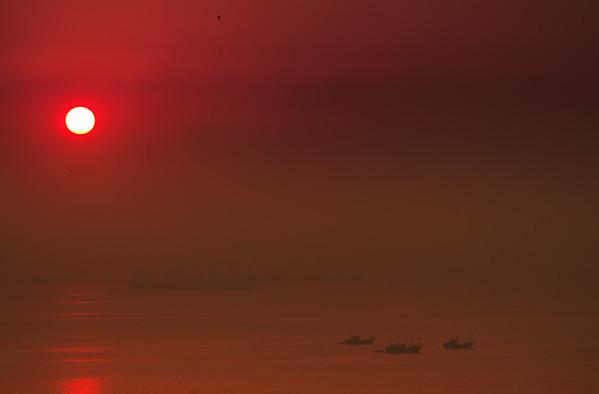 Dawn breaking on Arabian Sea, Mumbai