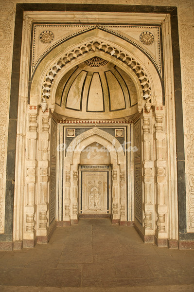 Details of the Qila-i-Kuhna Mosque in the Purana Qila (Old Fort).