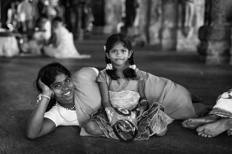 Woman and Child, Sri Ranganathaswamy Temple, Trichy, Tamil Nadu