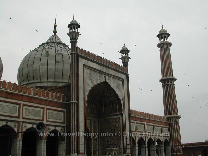 "Delhi, India August 2002  // See more of my travels at <a href=""http://travelhappy.info"">Travel Happy</a>"