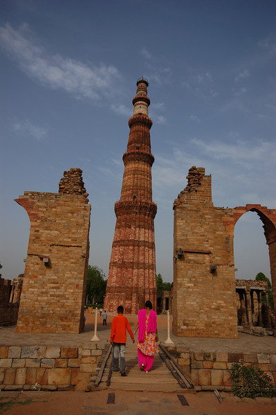 Afternoon walk at the Qutb Minar