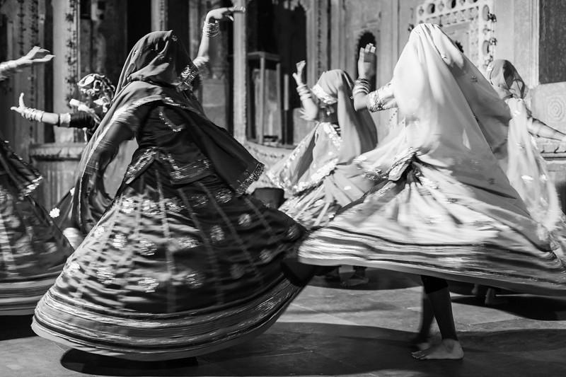 Traditional Dancing, Bagore-ki-Haveli, Udaipur, Rajasthan