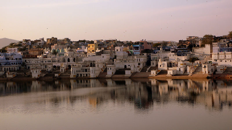 More lake-side temples at Pushkar. A more serene holy town, when compared to chaotic and congested cities like Varanasi (Benares).