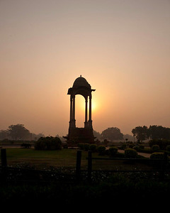 sunrise at the India gate in Delhi