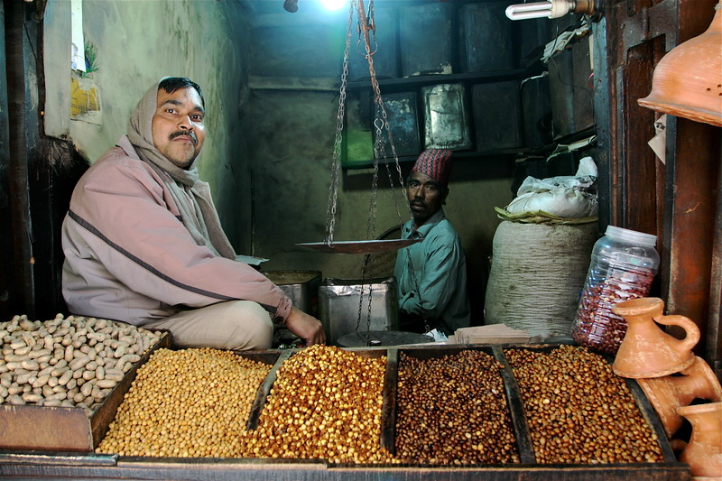 Sellers pulses and legumes, Darjeeling, India