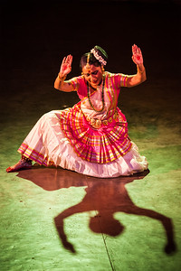 Mohiniyattam (Mohiniattam) indian classiacal dance