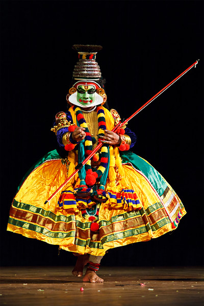 Kathakali is a famous dance-drama of south indian state of Kerala.    Rama (pacha) character.  Story of Katha Bali Vadham can be read here - http://www.kathakalinews.com/storystore/003balivadham.asp