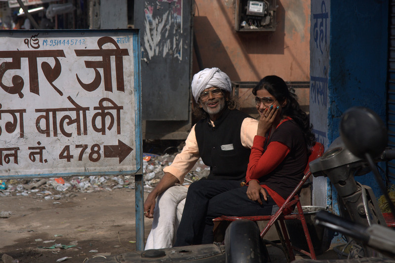 friendly people, shops along the walls of  the Pink CityJaipur