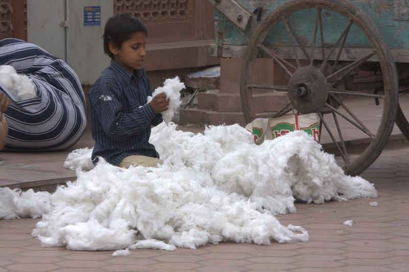 Pulling Cotton in the Sirdar Market - Cirdikot